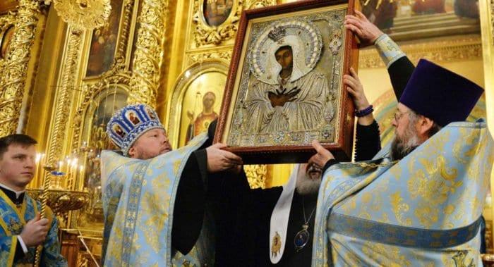Церковь совершает Похвалу Пресвятой Богородицы