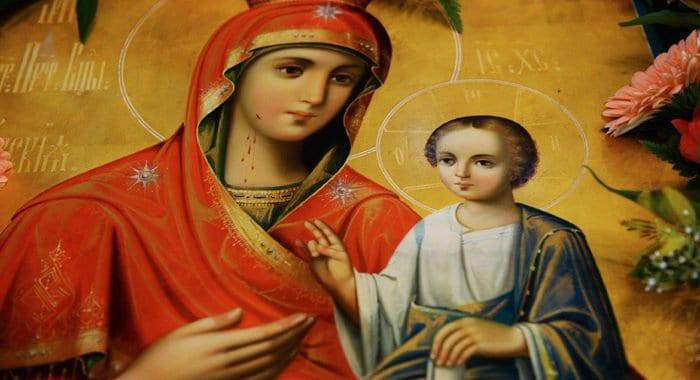 Православные чтут Иверскую икону Божией Матери