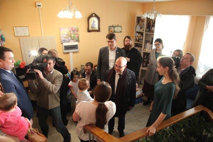 Епископ Пантелеимон попросил депутатов поскорее принять закон о распределенной опеке