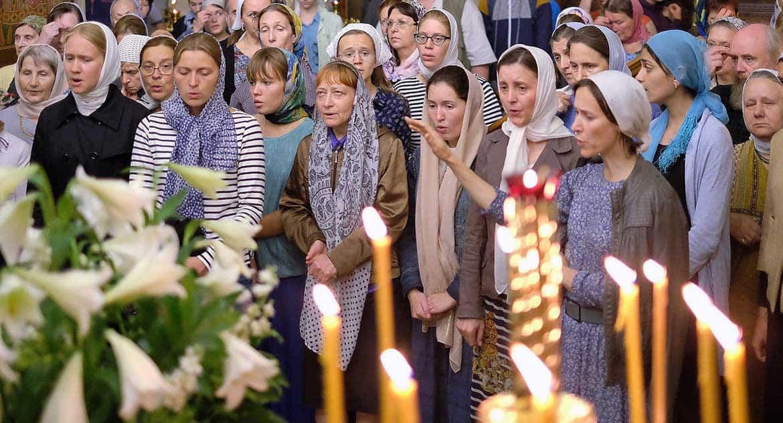 Почему вместо молитвы в храмах концертное партесное пение?