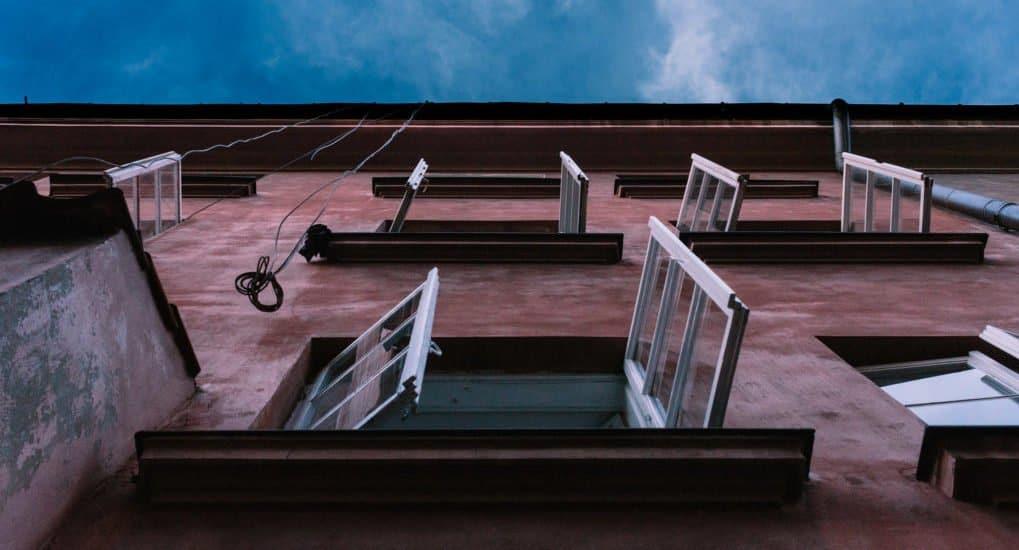 Ветер унес икону в окно. Что делать?