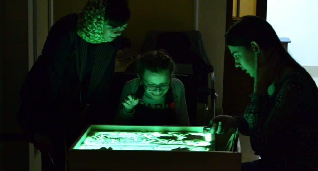 Сезон песка: в Саранске подошел к концу цикл уроков арт-терапии для детей с ДЦП. Результаты удивили даже организаторов
