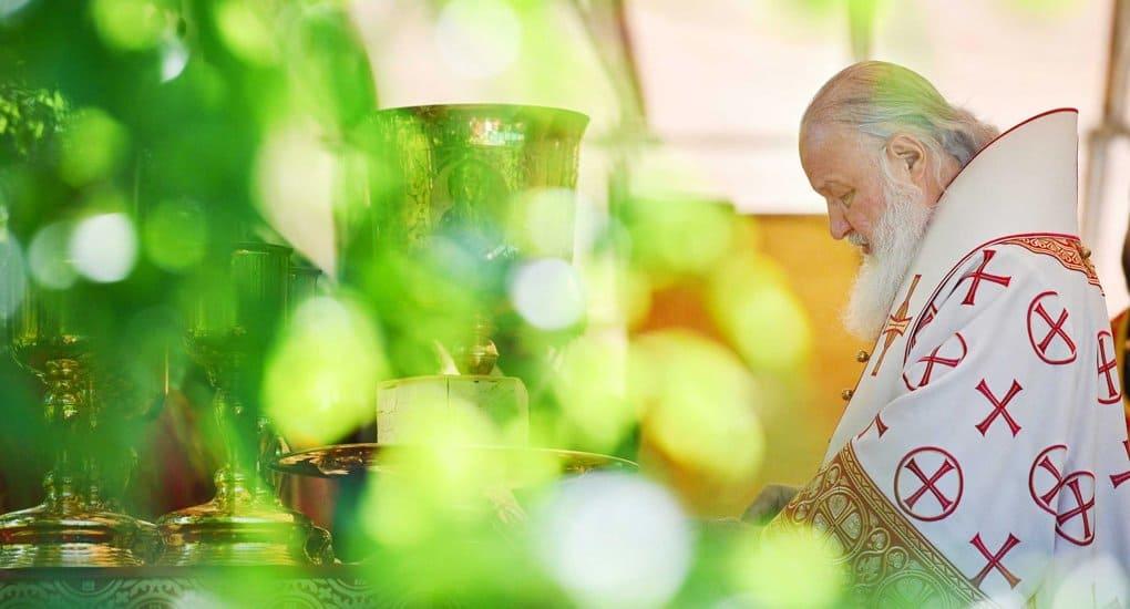 Патриарх Кирилл рассказал, как его дед помогал епископу тайно совершать Литургию на лесосеке