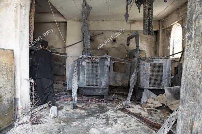 Свято-Пантелеимонов монастырь на Афоне временно не принимает паломников из-за пожара