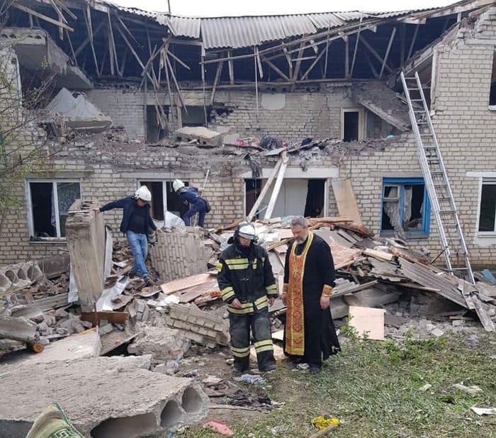 Шахтинская епархия помогает пострадавшим от взрыва газа в жилом доме