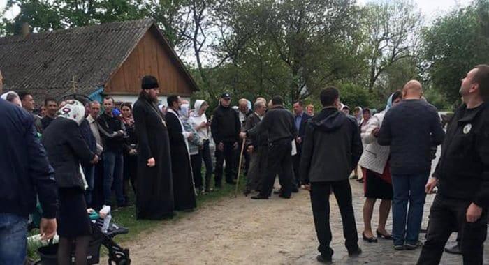 За год существования ПЦУ в нее перешло менее 1% канонической Украинской Церкви