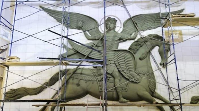 Звонницу храма Вооруженных сил России украсят изображения архангелов и Георгия Победоносца