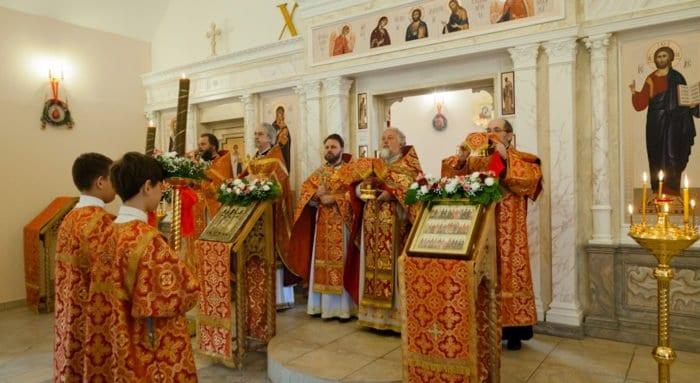 В храме святых Кирилла и Мефодия при МГУ отметили первый престольный праздник
