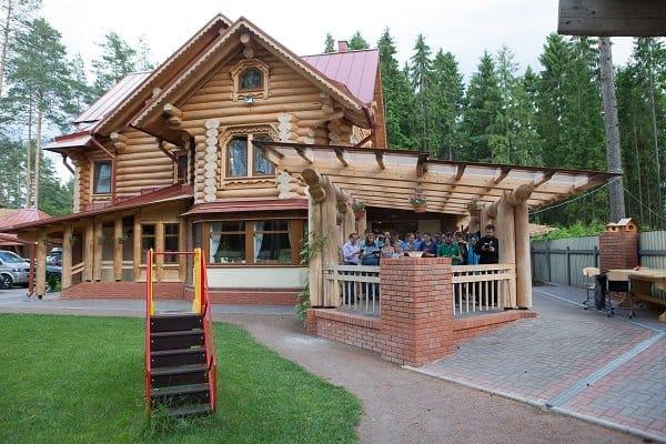 В Петербурге Церковь начала готовить приемных родителей к усыновлению детей с инвалидностью