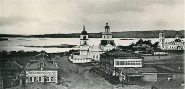 Храму, связанному с родом священников Вигилянских, нужно срочно заменить крышу!