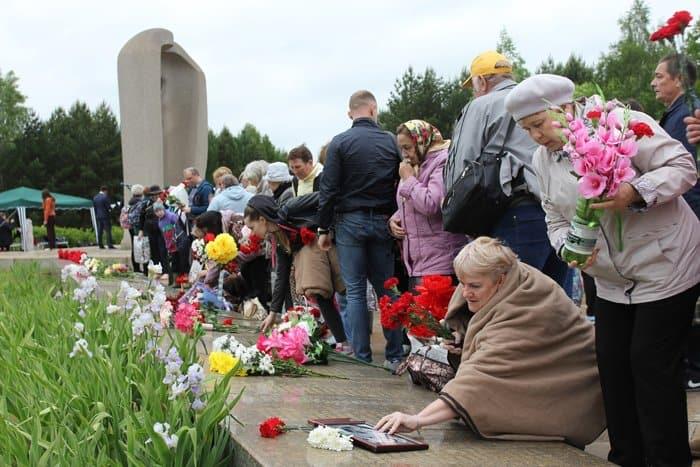 В России помолились о жертвах самой крупной железнодорожной катастрофы в СССР