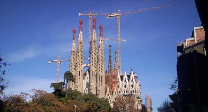 Спустя 137 лет храм Святого Семейства в Барселоне получил лицензию на строительство