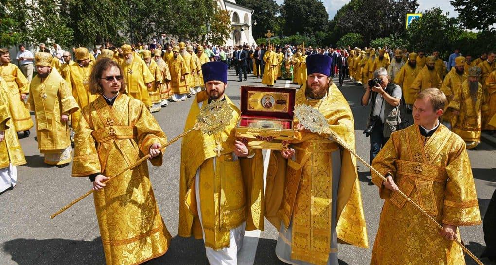 День Крещения Руси отметили в Москве Литургией и крестным ходом