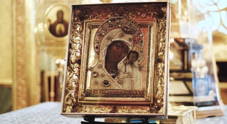 Церковь празднует явление Казанской иконы Божией Матери