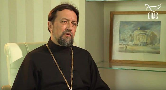 Церковь должна стать объединяющим началом, не деля общество на «своих» и «чужих», – протоиерей Максим Козлов