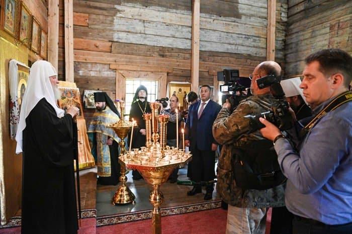 Патриарх Кирилл осмотрел храмы Торжка