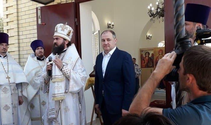 В карачаево-черкесском поселке открыли храм в честь святых Петра и Февронии
