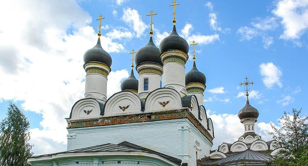 В усадьбе Братцево начали реставрировать храм XVII века