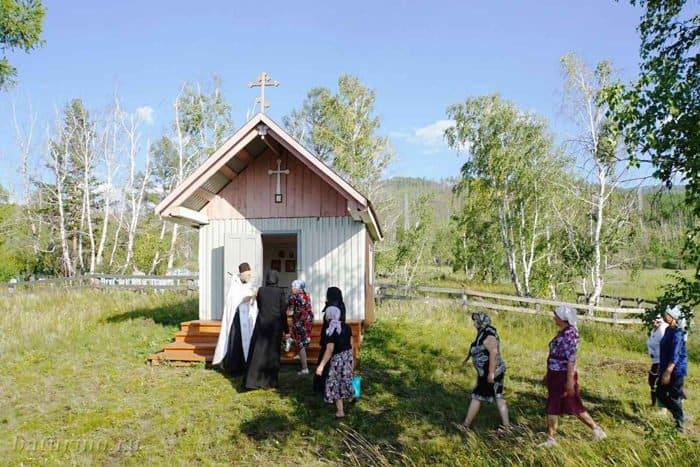 В бурятском селе люди вышли на крестный ход из-за роста смертности от онкологии