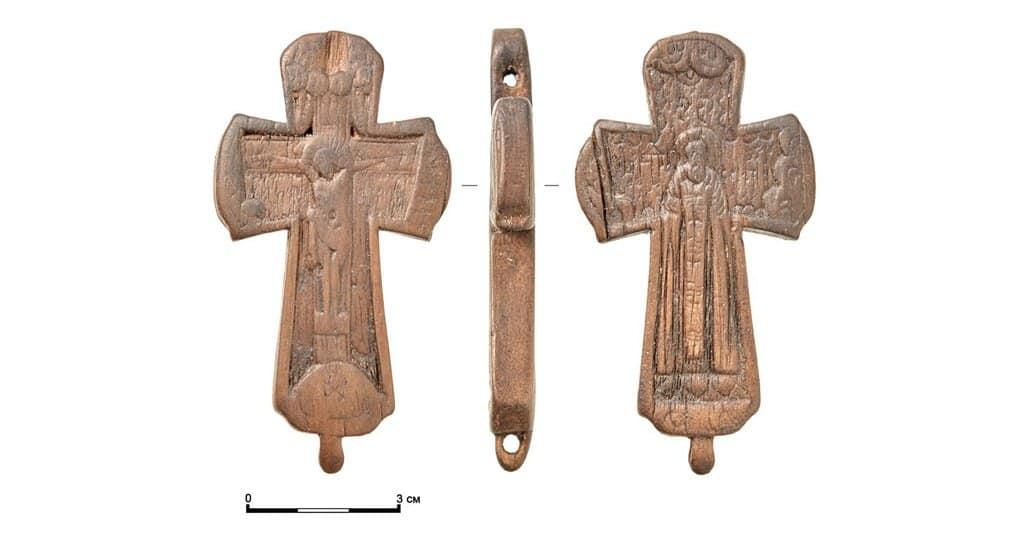 Деревянный крест с изображением Сергия Радонежского нашли в центре Москвы