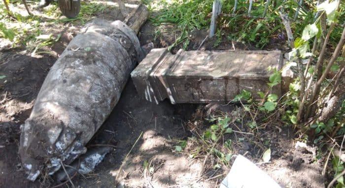 Колонну от кладбищенской церкви и памятники XIX века нашли в Саратове