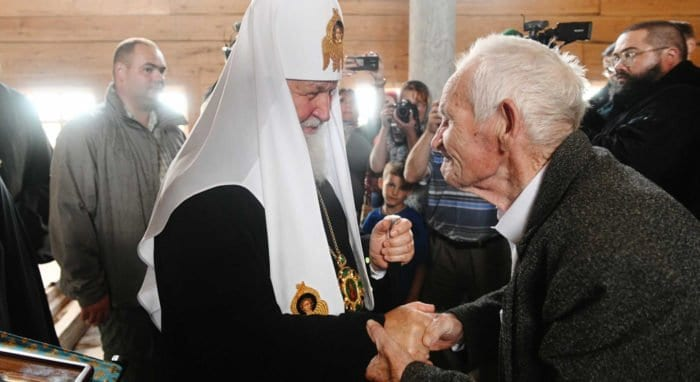 Патриарх встретился с дедушкой, начавшим восстановление храмов Русского Севера