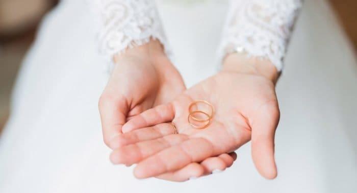Сколько пар колец нужны для регистрации в ЗАГСе и венчания?