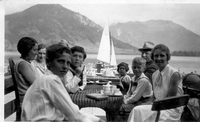 Александр Шморель с семьей