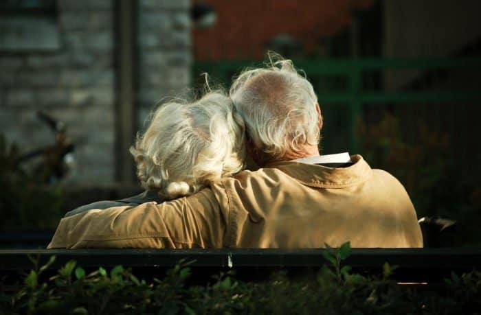 Мне стало скучно с мужем. Можно ли воскресить мертвую любовь? — отвечает священник