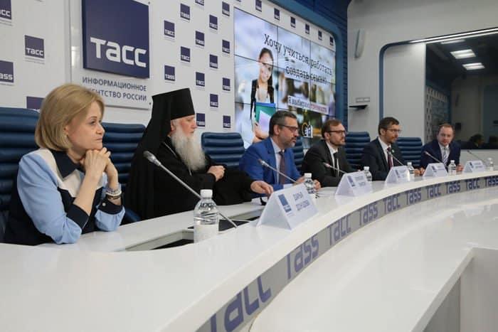 «Алкоголь – это оружие, которое человек направляет против самого себя»: Владимир Легойда рассказал о роли Церкви в борьбе с алкоголизмом