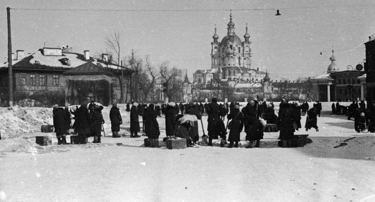 В России вспоминают освобождение блокадного Ленинграда