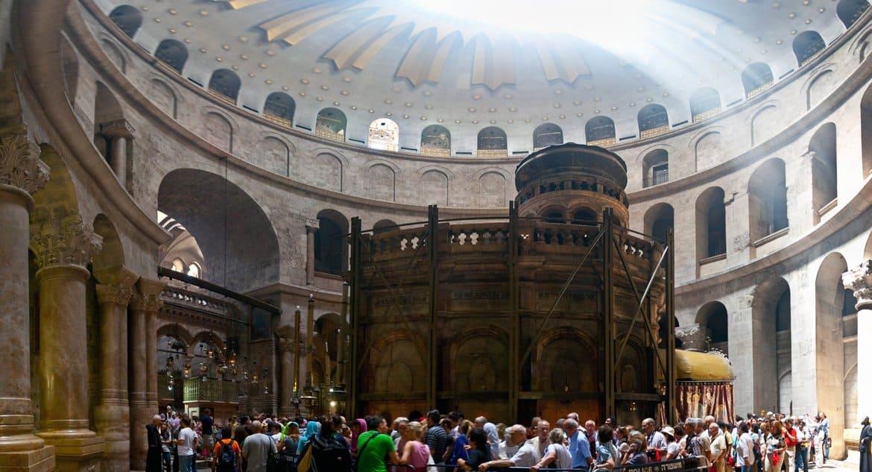 Церковь вспоминает Обновление храма Воскресения Христова в Иерусалиме
