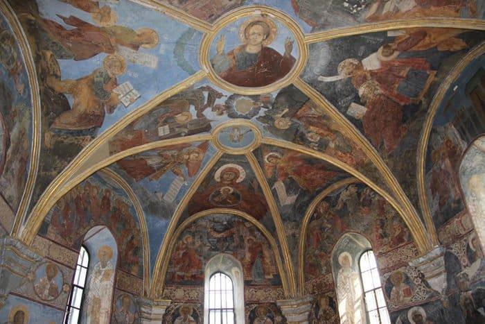 В Киеве отреставрировали храм XII века с уникальными фресками