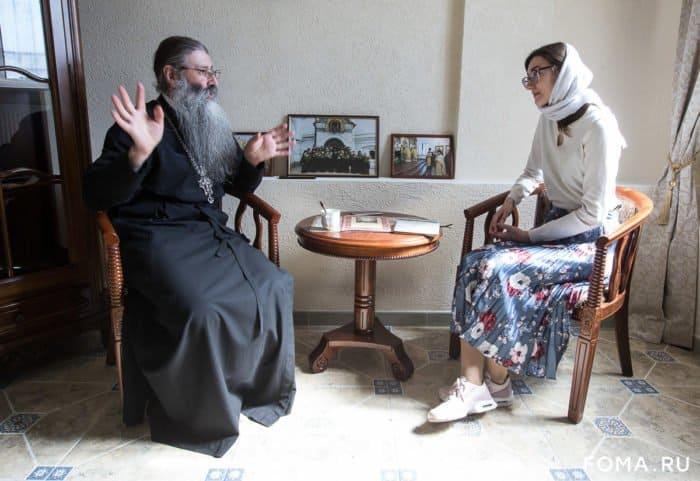 «Я стал играть роль старца, и начались дикие головные боли» — протоиерей Максим Первозванский о своем пути к священству