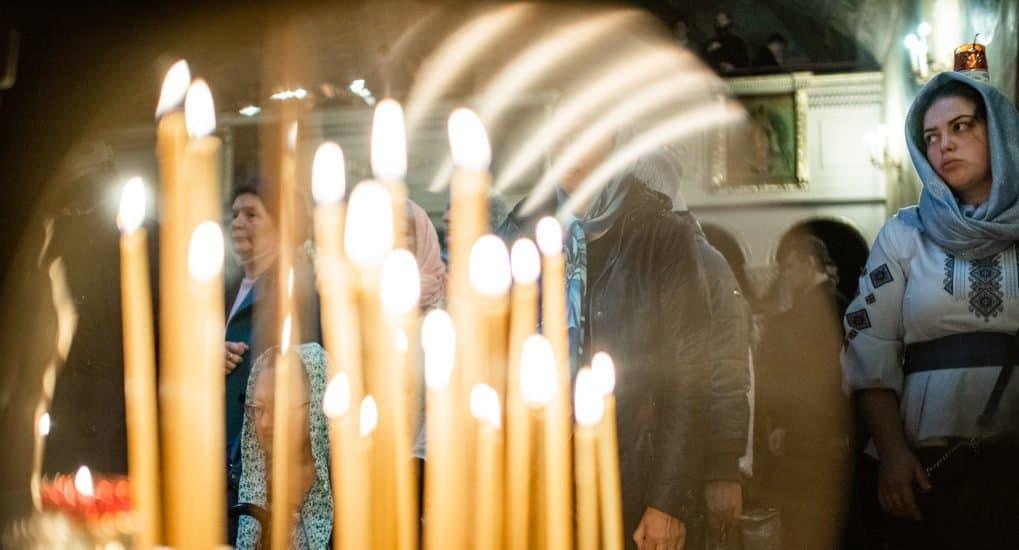 Родственница поставила за меня свечу вверх ногами. Что может произойти?