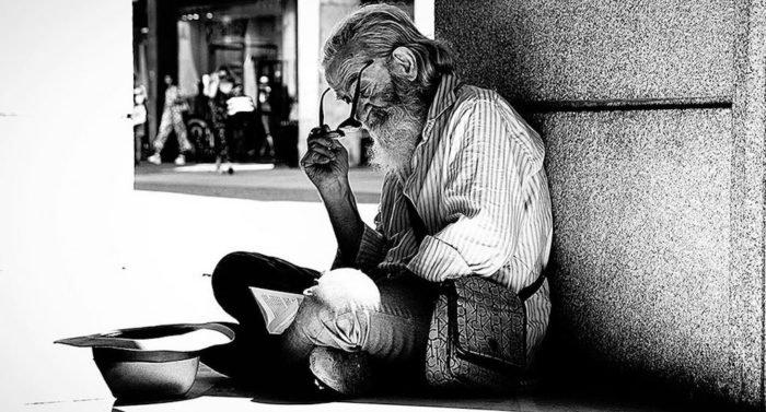 «Тут бедняк полез в карман и достал кучу монет» — реальный случай в монастыре