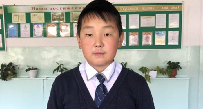В Тыве наградят школьника, спасшего на пожаре двоих детей