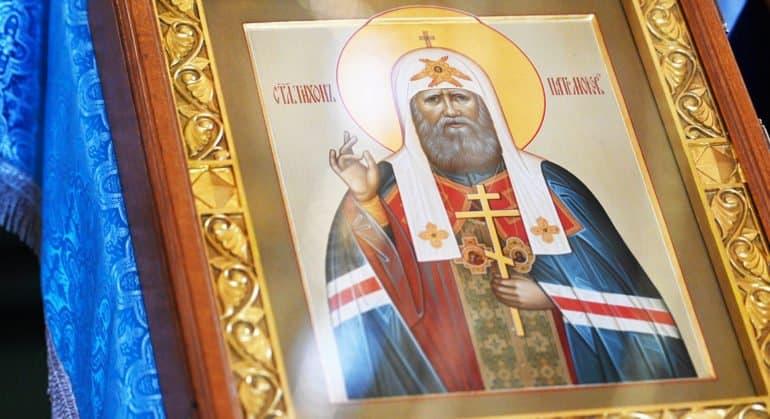 Церковь празднует прославление святого патриарха Тихона