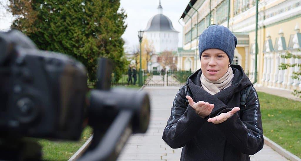 Для инвалидов по слуху создали видео с рассказом о том, как добраться до Троице-Сергиевой лавры