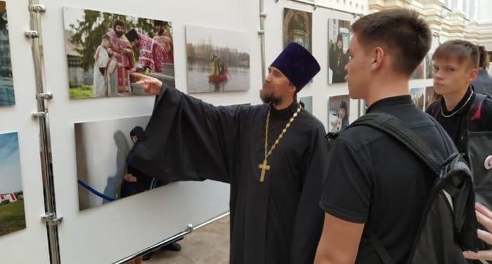 В старинном самарском селе Сергиевск пройдет выставка журнала «Фома» «Верующие»