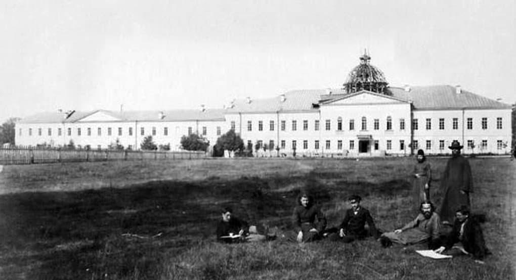 Патриарх Кирилл предложил восстановить комплекс Спасо-Вифанской семинарии, обустроив в нем гимназию