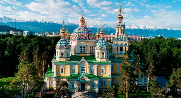 Уникальный деревянный собор открыли после реставрации в Алма-Ате