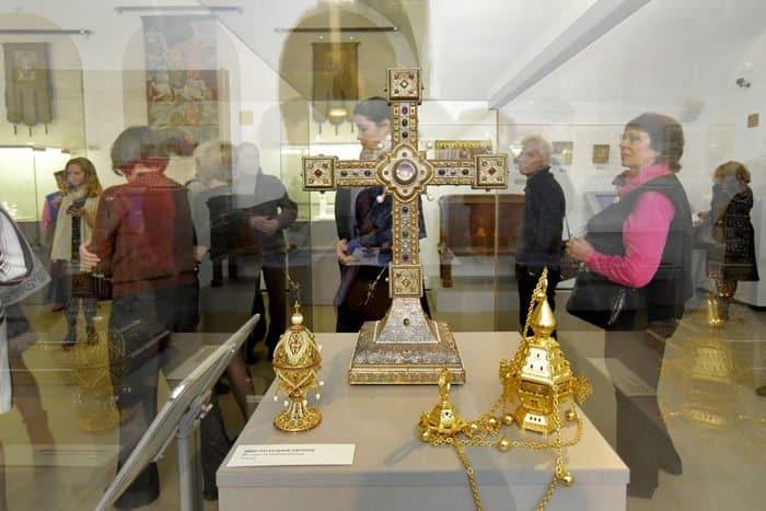 Выставка о небесных покровителях армии и флота России открылась в Петербурге