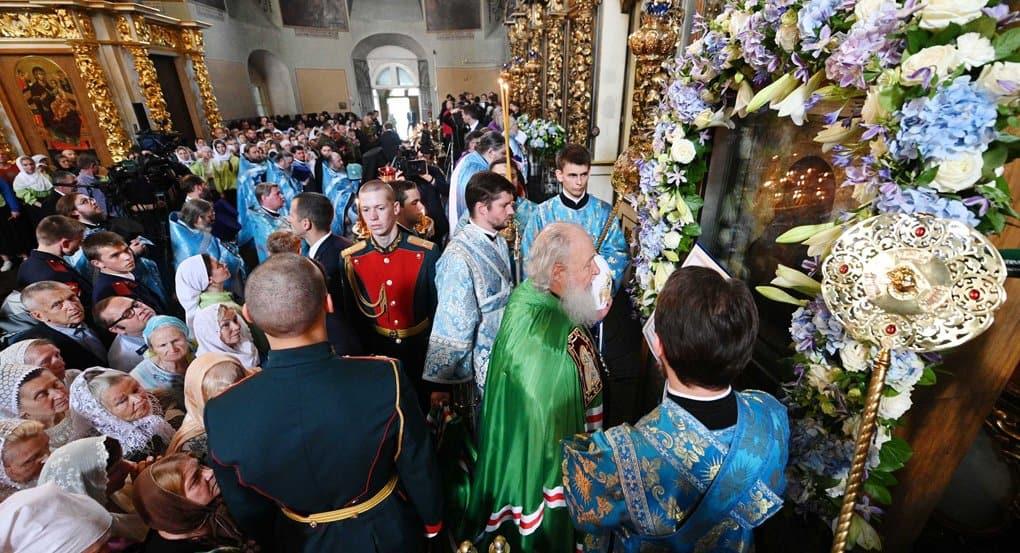 Охранять храмы должны только профессионалы, считают в Церкви