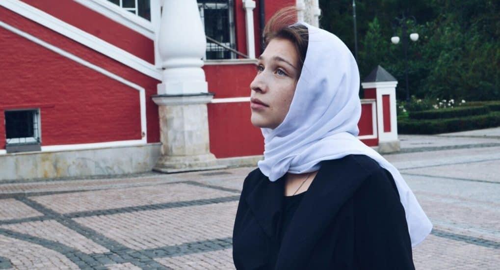 Можно ли читать молитвы от женского лица?