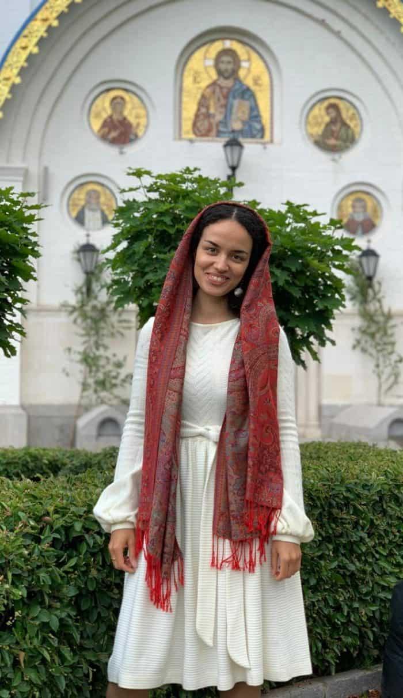 «Я занималась магией, а после заходила в церковь» — история бывшей исполнительницы мантр
