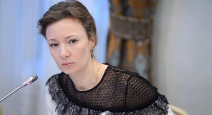 Анна Кузнецова попросила Минздрав разъяснить ситуацию с увольнением детских трансплантологов