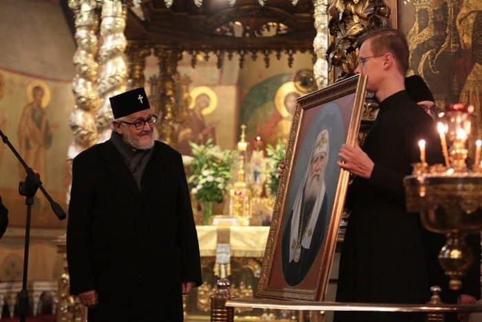 Делегаты Архиепископии приходов русской традиции помолились у мощей святого патриарха Тихона