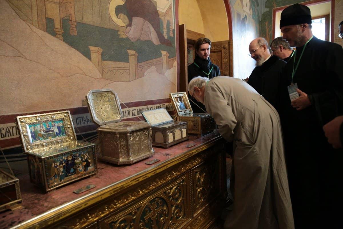 Делегация Архиепископии приходов русской традиции посетила Троице-Сергиеву лавру
