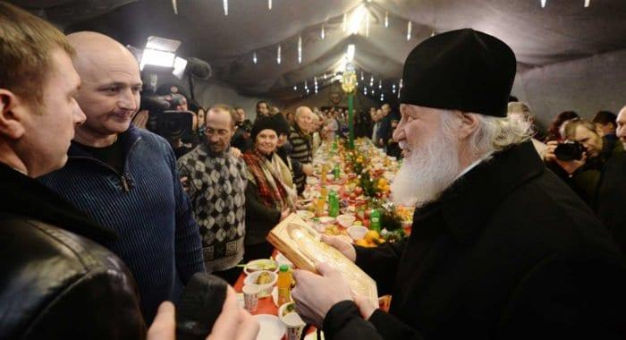 Первосвятительское служение патриарх Кирилл начал с заботы о бездомных и больных, – епископ Пантелеимон